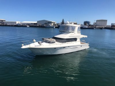 Silverton 42 Convertible LUXURIOUS VESSEL FOR COASTAL CRUISING AND FISHING.
