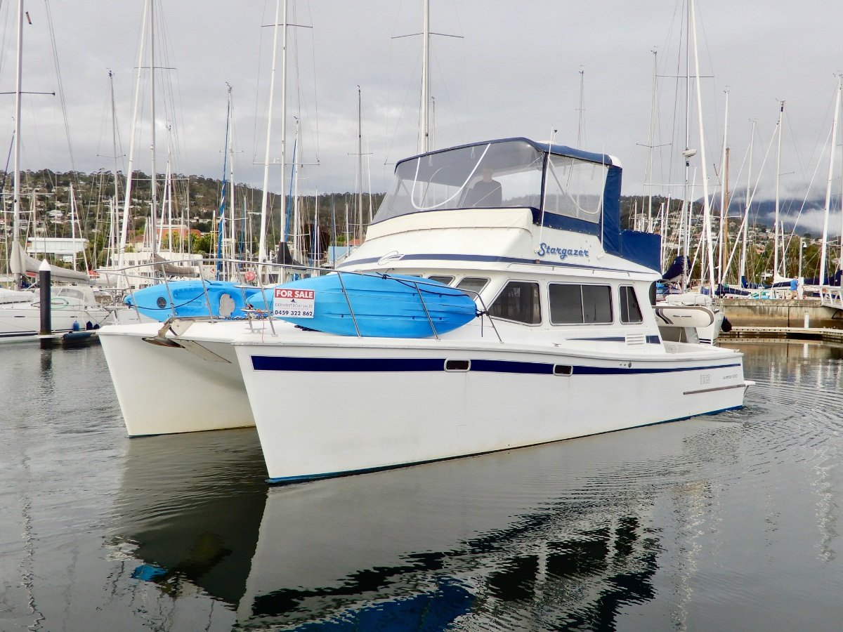 Scimitar 1010 Flybridge STUNNING CRUISER, NEW ENGINES, PRICED TO SELL