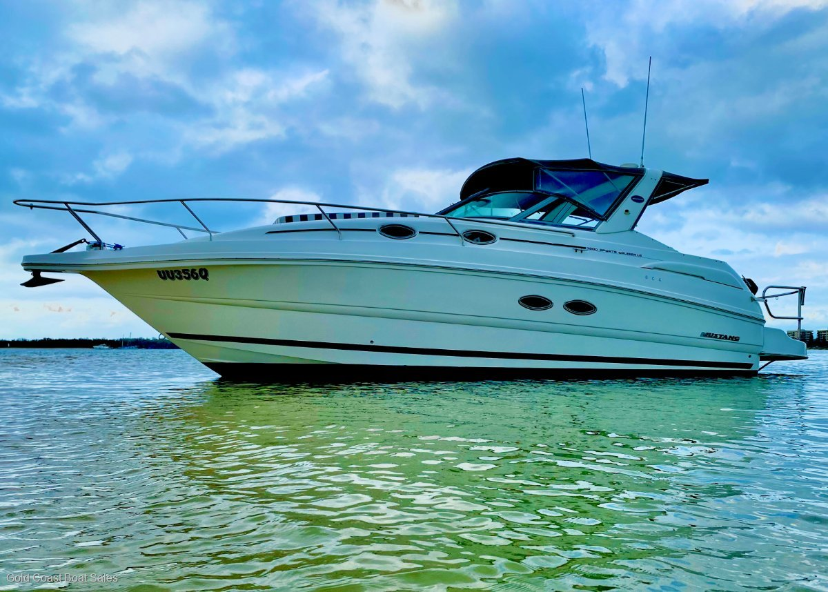 Mustang 3200LE Sportscruiser bow thruster fitted