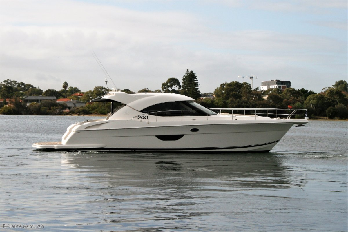 Riviera 4400 Sport Yacht *** A DAY IN THE OFFICE ***$559,000***