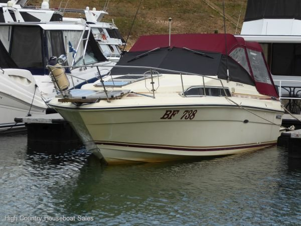 Sea Ray 270 Sundancer:Sea Mist 111 Cruiser on Lake Eildon