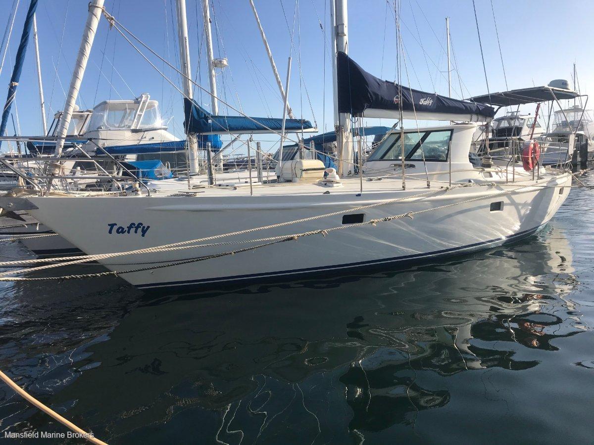 Van De Stadt 36:Solid, comfortable cruiser