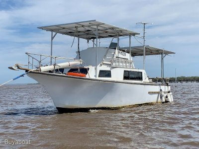 Custom Craft 28 Flybridge Cruiser