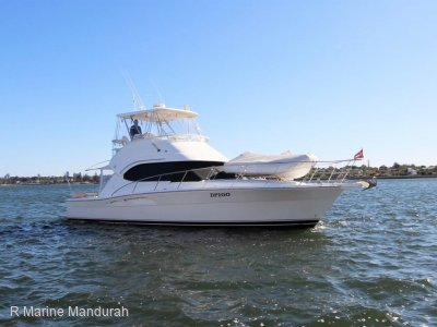 Riviera 40 Flybridge *** UPGRADES GALORE *** $385000***