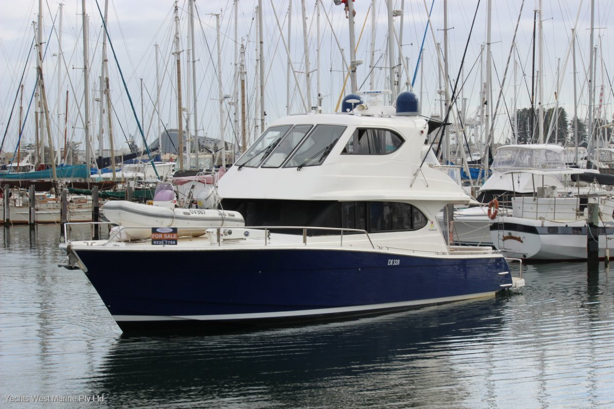 Maritimo 52 Cruising Motor Yacht Extended deck & Hydraulic swim platform