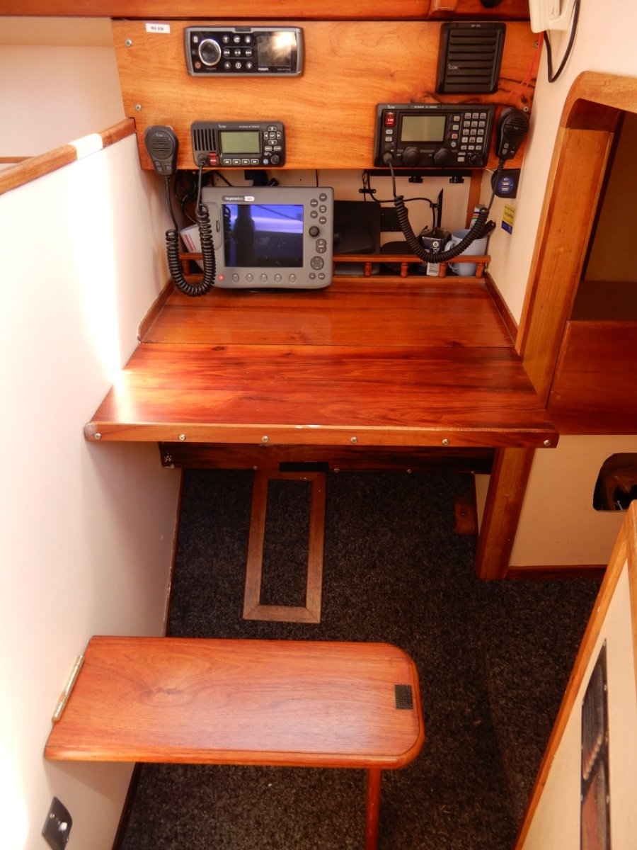 Adams 40 Centre Cockpit Cruising Cutter EXCELLENT CONDITION