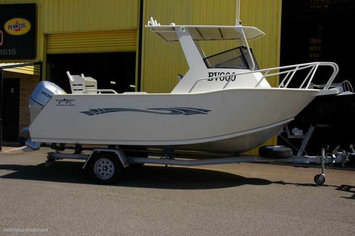 Dolphin 560 Hardtop Late model Honda 135hp.