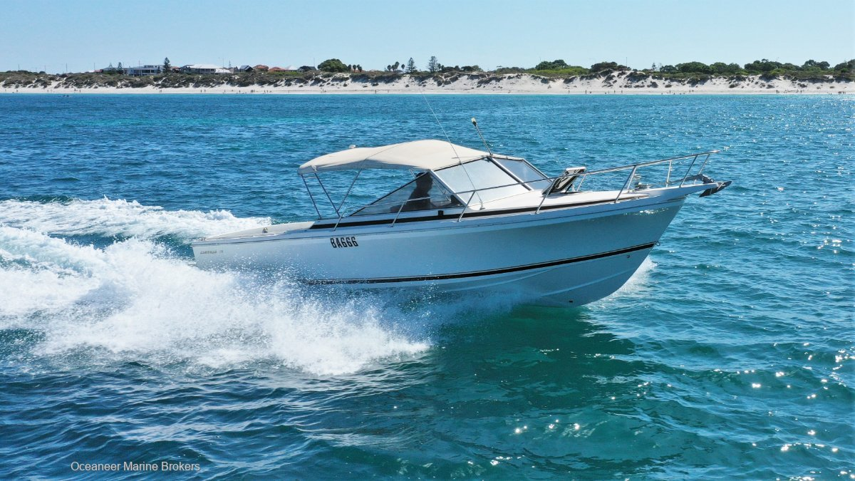 Caribbean 26 Open Runabout *49 hours*