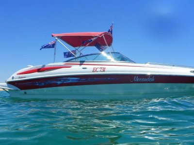 Crownline 240 LS Immaculate condition sea pen included!