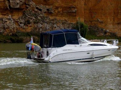 Bayliner 2655 Ciera with teak stern swim platform