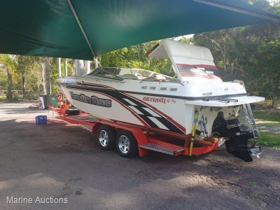2001 Checkmate 27ft Powerboat on Trailer