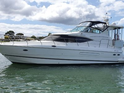 Cruisers Yachts 4450 MY Express