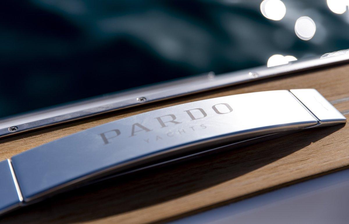 Pardo 38