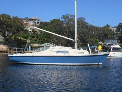 Endeavour 24 Mark 2 nice yacht Mooring minder or cheap sailing