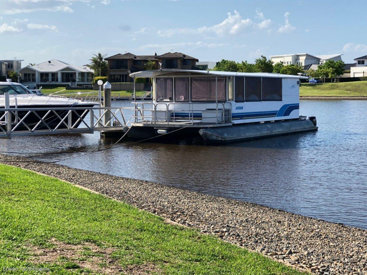 Bonny Weld Pontoon Houseboat