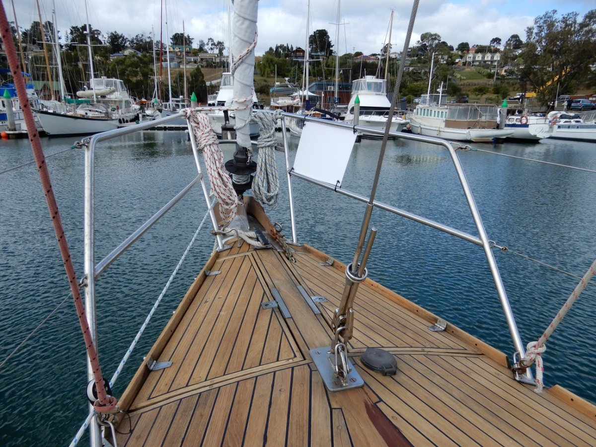 Kaufman 48 SERIOUS OFFSHORE CRUISER, EXCEPTIONAL CONDITION