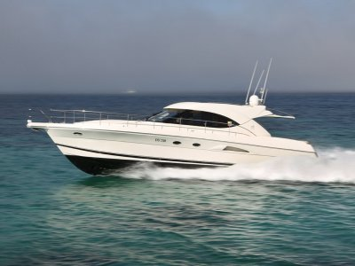 Riviera 4700 Sport Yacht **** Last one delivered new into WA *****