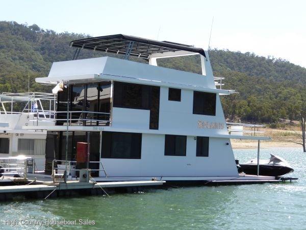 Houseboat Holiday Home on Lake Eildon, Vic.:Solaris on Lake Eildon