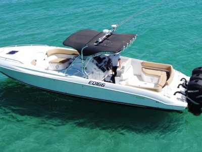 Al Dhaen 380SF Wavebreaker Centre console triple 300hp