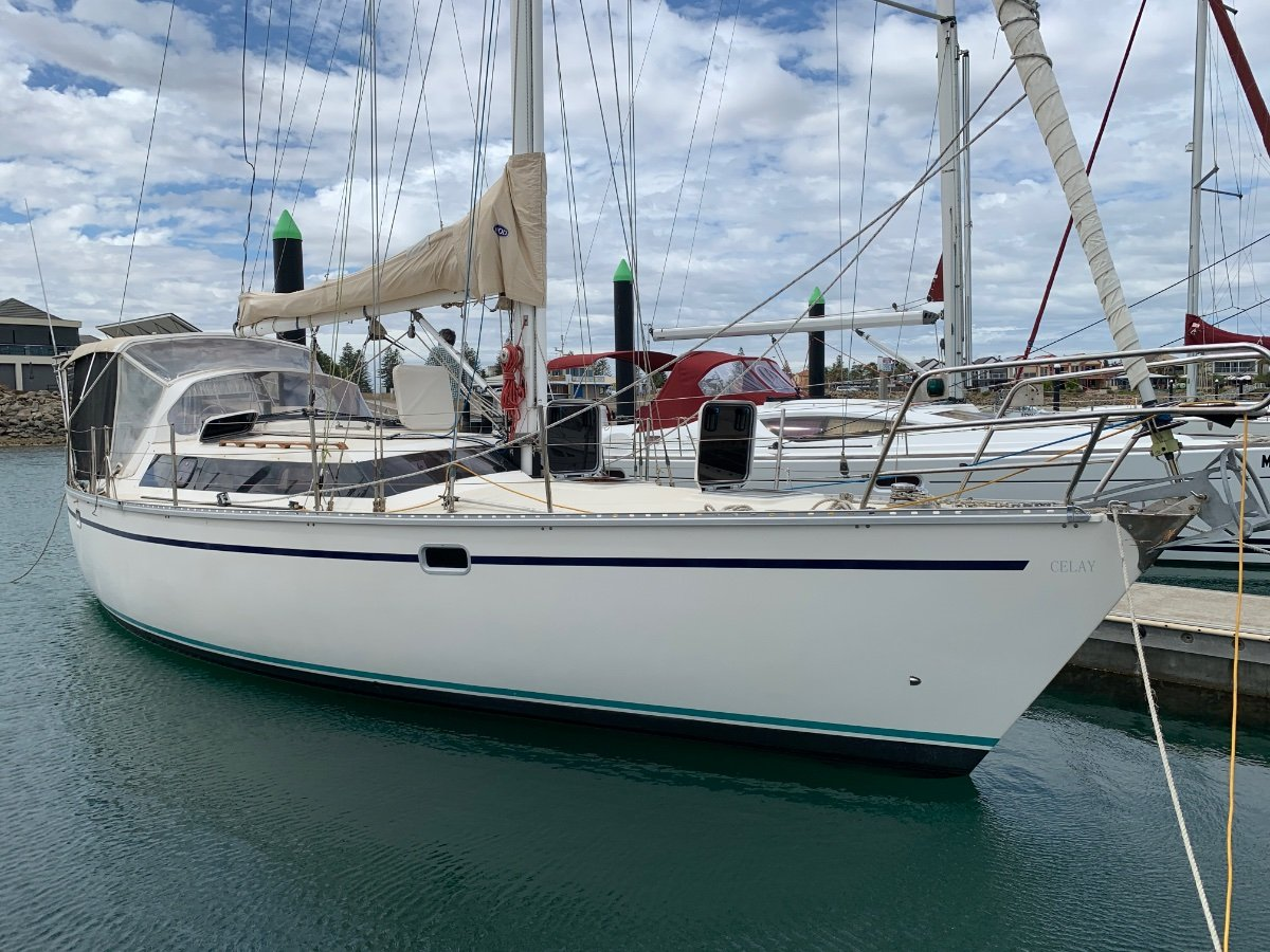 Bluewater Cruising Yachts Bluewater 420RS Pilothouse design