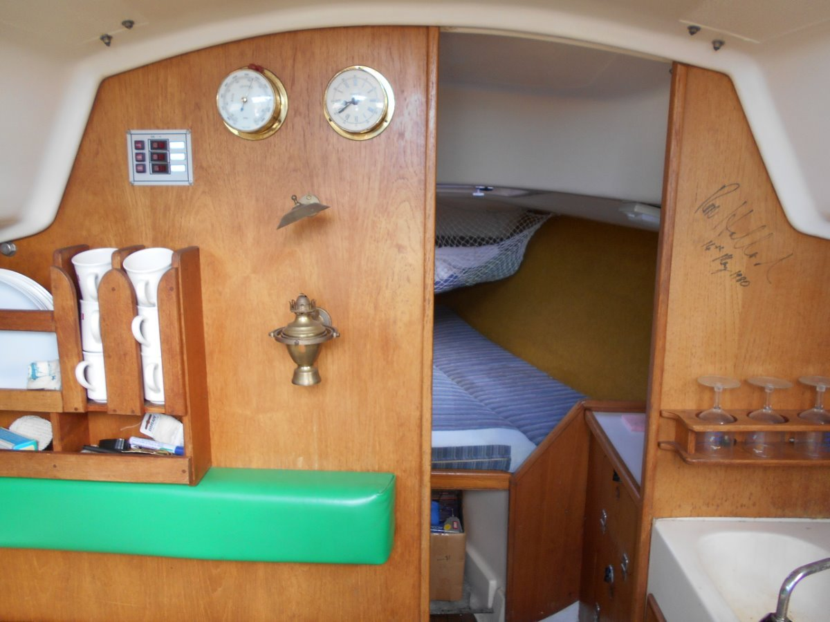 "Holland 25 Plus 4 ""Heaps of Extra Room"""
