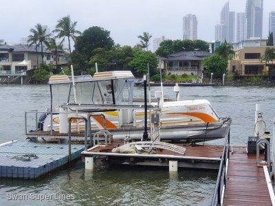 Aloha Pontoons Paradise 250 Sundeck Triple Pontoon series