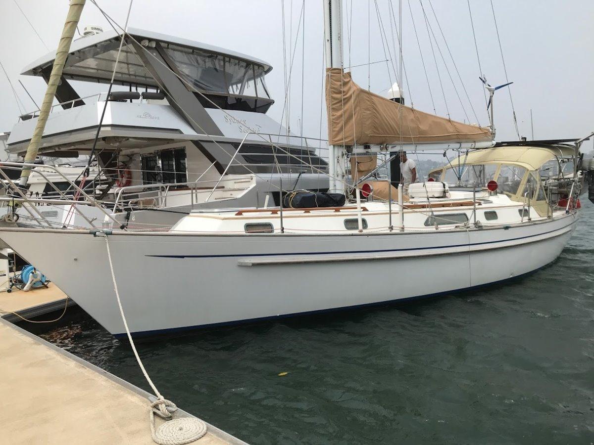 Passport 40 Robert Perry designed blue water cruiser