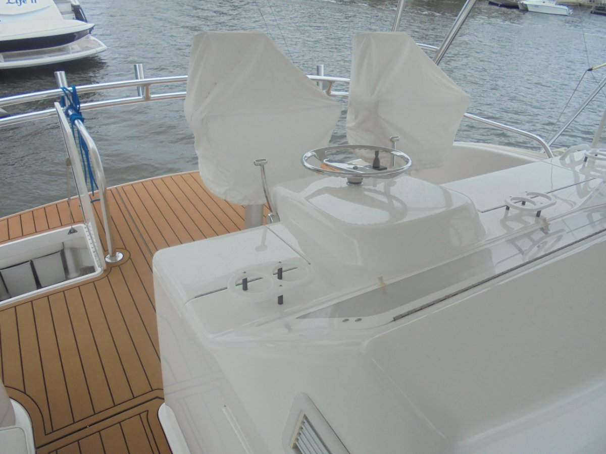 Viking 56 Convertible - 2004MY