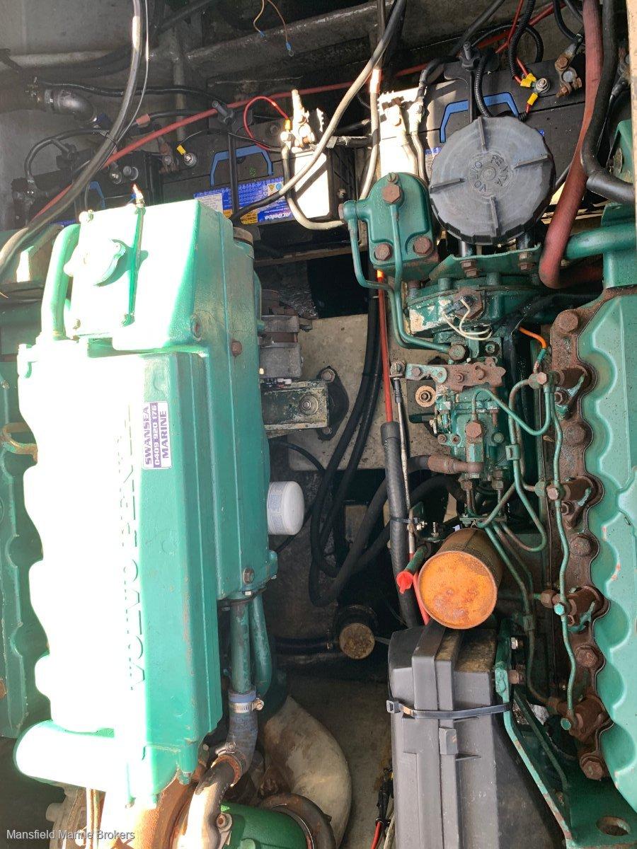 Riviera 30 Flybridge twin diesel