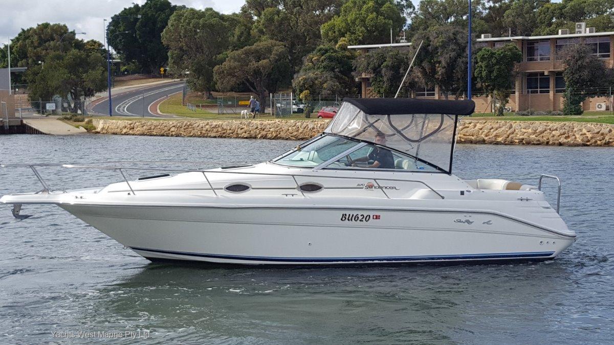 Sea Ray 270 Sundancer:Searay 270  By Yachts West Marine