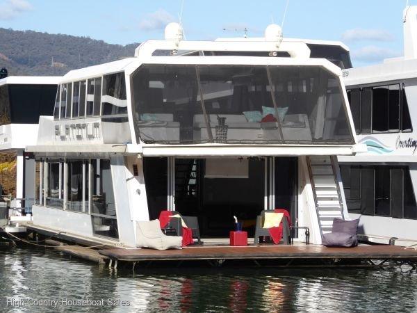 Houseboat Holiday Home on Lake Eildon, Vic.:Platinum on Lake Eildon