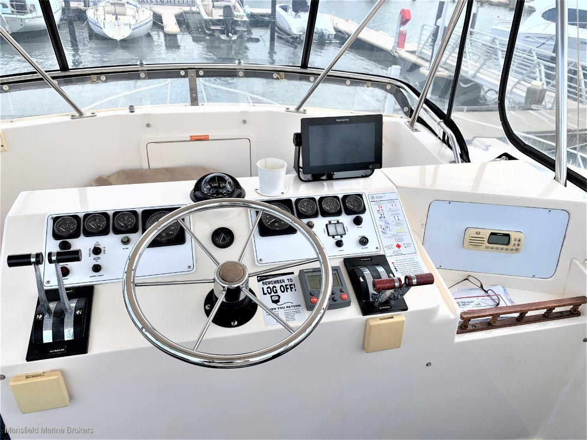 Riviera 35 Flybridge