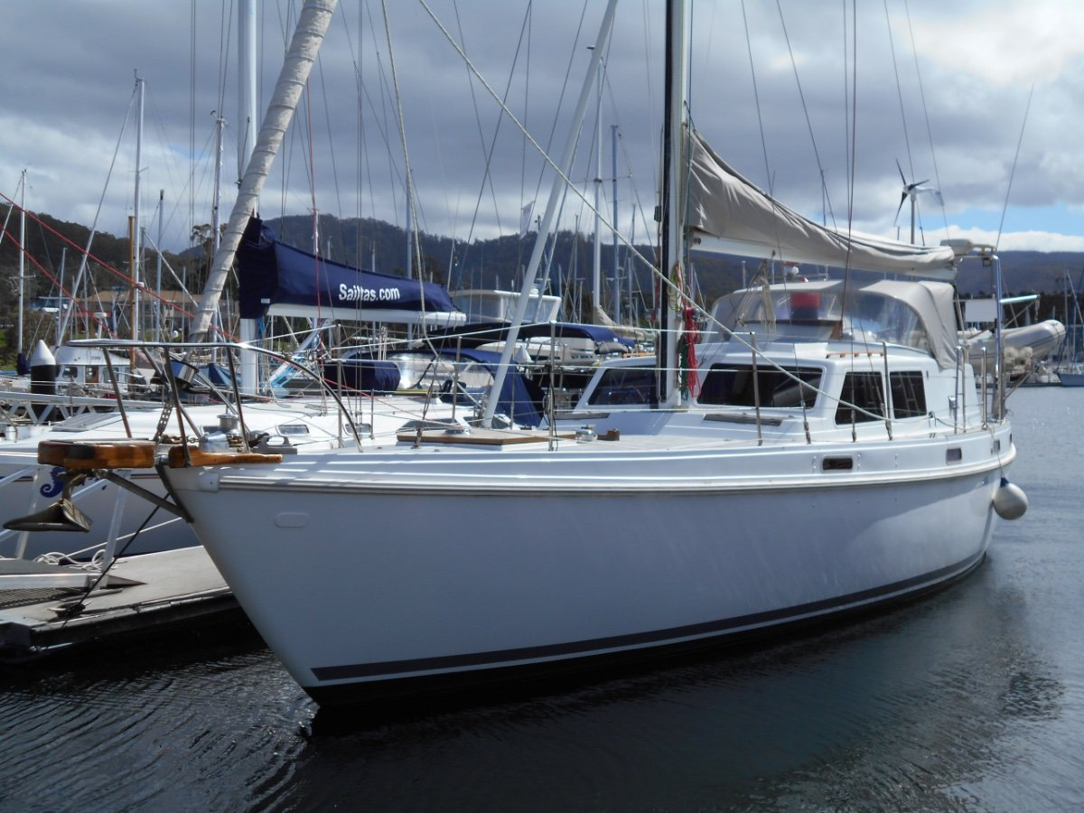 Columbia 45 Sloop HUGE VOLUME YACHT IN EXCELLENT CONDITION