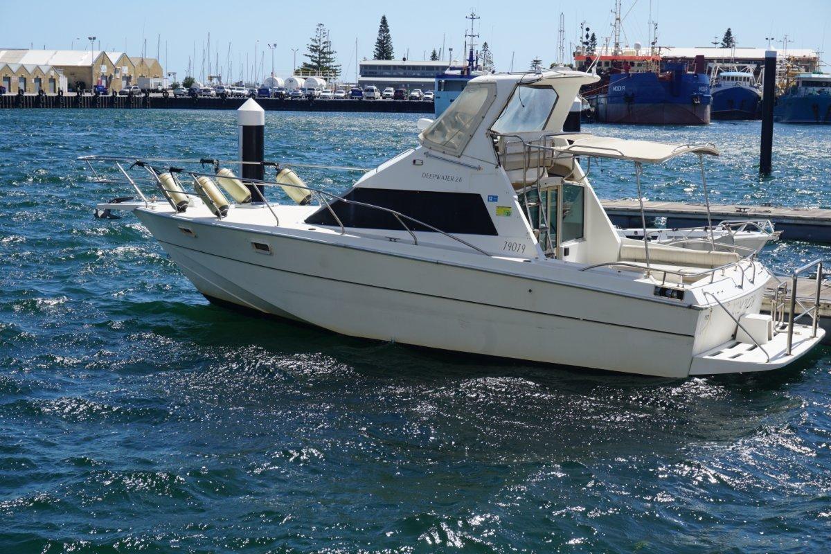 Deepwater 28 2012 Motor Low 358 hours