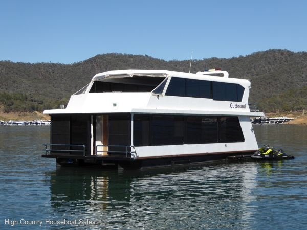 Houseboat Holiday Home on Lake Eildon, Vic.:Outbound @ Lake Eildon
