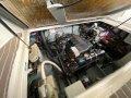 Sea Ray 270 Sundancer:Easy service engine room