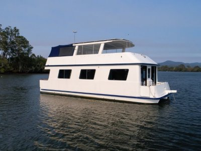 Homecruiser Houseboat 43 Custom
