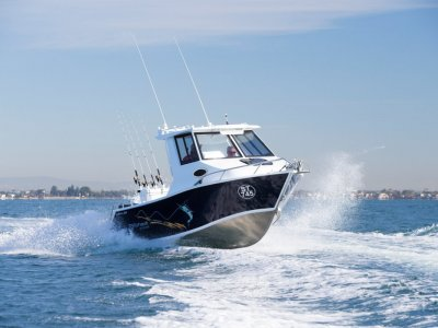 Formosa Tomahawk Offshore 580 Half Cabin Burger With The Lot