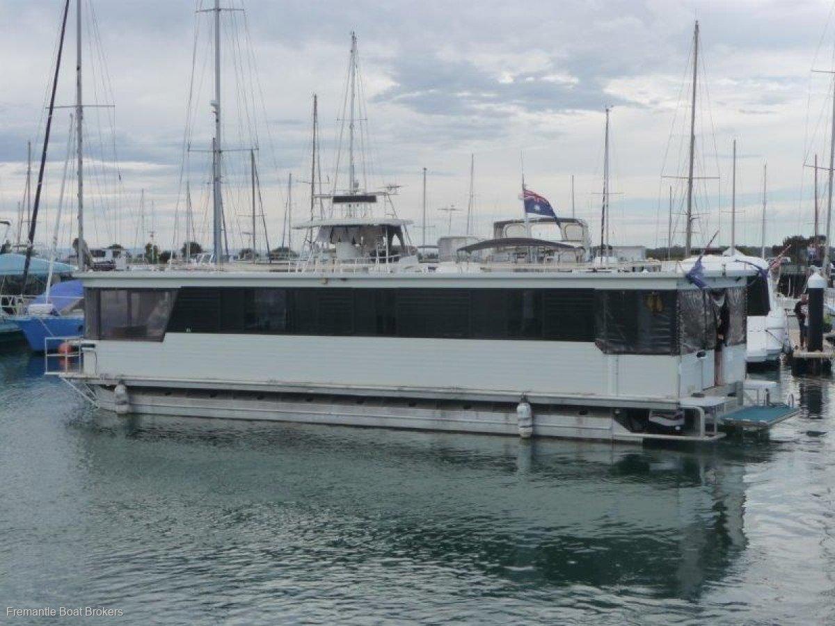 Custom Aluminium Houseboat