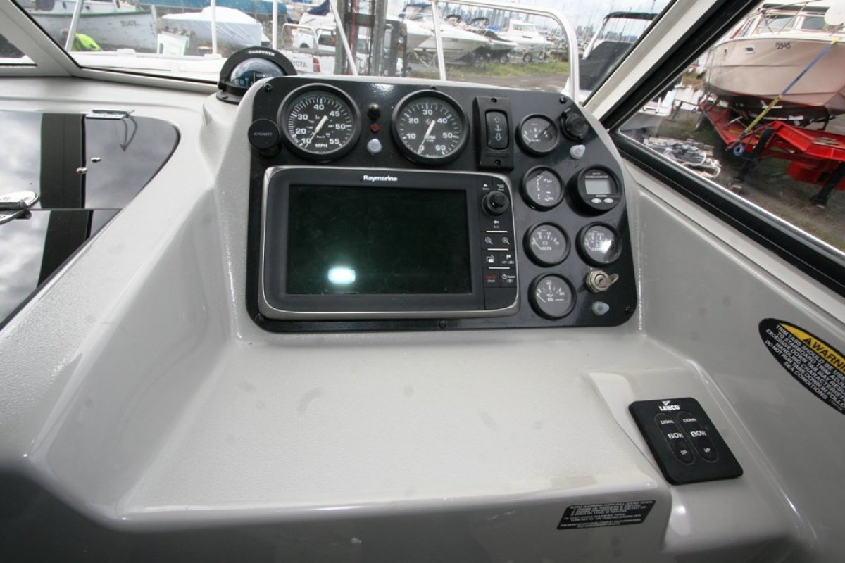 Trophy 2359 Hardtop Crossover Fishing - Cruising