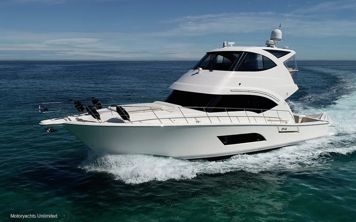 Riviera 53 Enclosed Flybridge **** Fitted with Gryo Stabilization ****:Riviera 53 Enclosed Flybridge