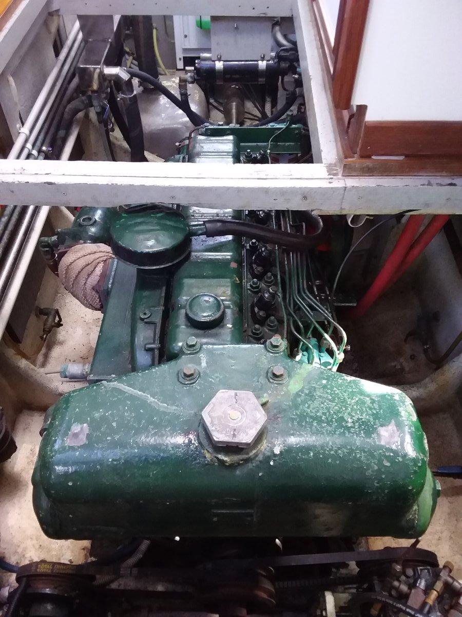 Perkins 110hp diesel motor, gearbox and propeller