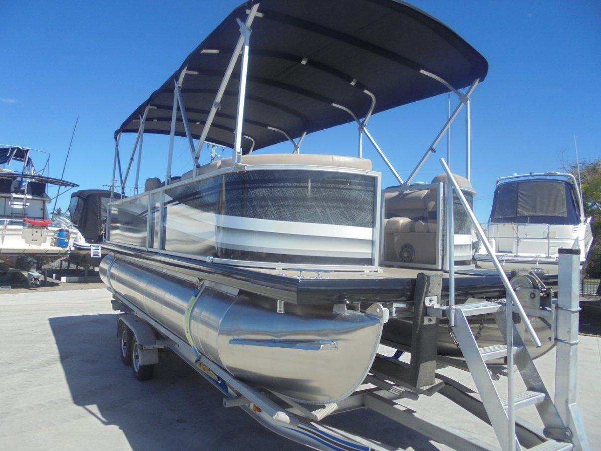 New Runaway Bay Pontoon Boats 22 Twin Hull