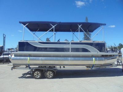Runaway Bay Pontoon Boats 22 Tri Hull