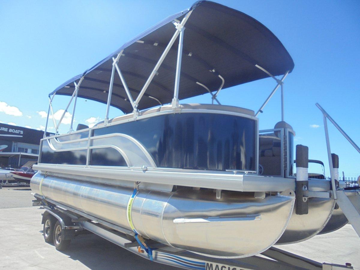 Runaway Bay Pontoon Boats 22 Tri Hull