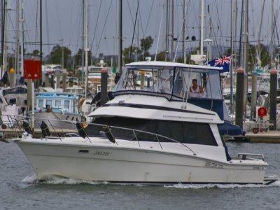 Riviera 38 Bluewater Hardtop Flybridge