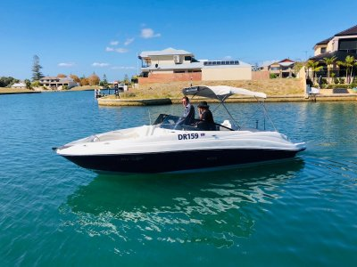 Sea Ray 220 Sundeck Immaculate condition and perfect day boat- Click for more info...