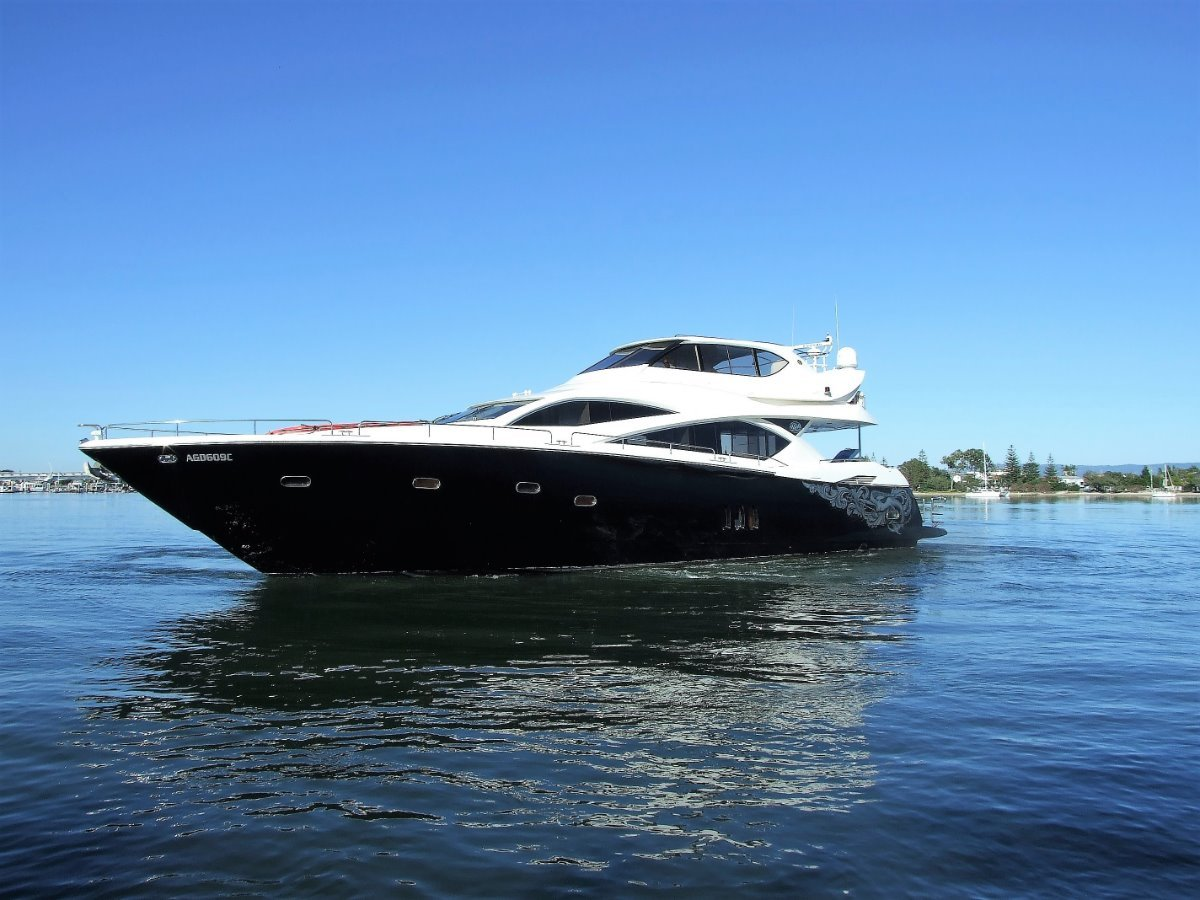 Sunseeker Yacht 82 2004 Enclosed Flybridge