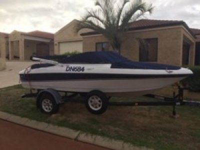 Four Winns Horizon 180 Ski boat Bowrider