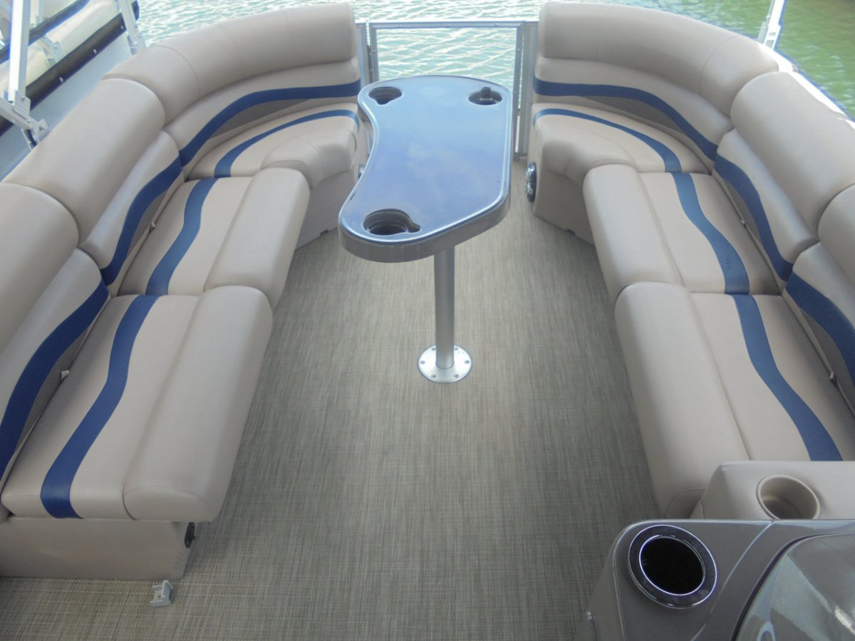 New Runaway Bay Pontoon Boats 22 Twin Hull - 2019 MY Demo Boat
